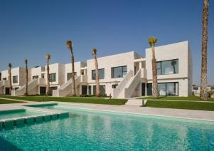 Lo Romero Apartments 001