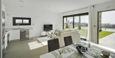 Lo Romero Apartments 006