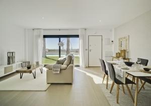 Lo Romero Apartments 007